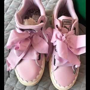 Pink Puma fashionable sneakers